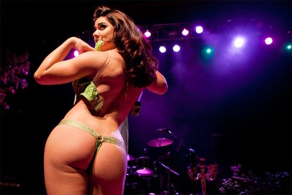 Miss Exotic World 2010, Roxi DLite